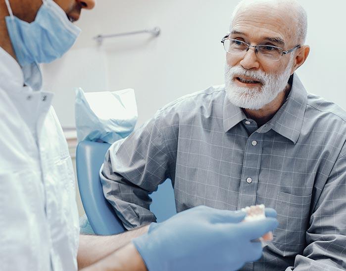 Odontogeriatría | San Lorenzo Dental
